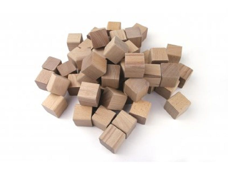 Kostky kaštanového dřeva